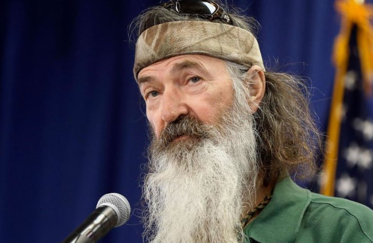 Phil Robertson's Pro-America Speech Brings House Down at Trump Rally
